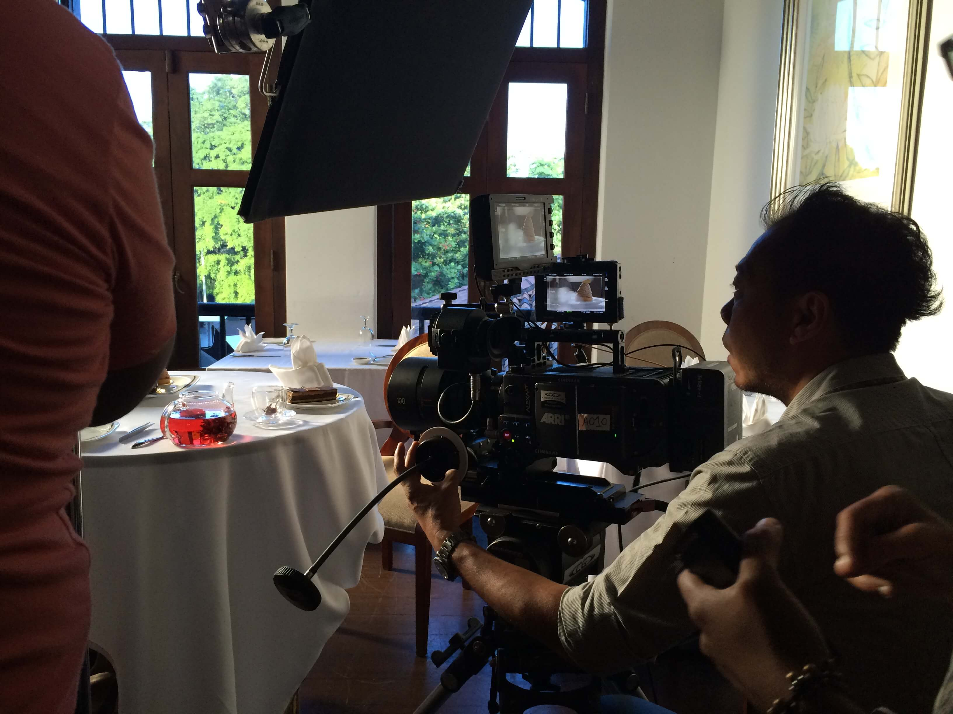 APV Prudential, Speaking 10 languages at once video, Behind the Scenes BTS